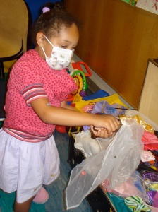 Ariana-Leilani_in_Hospital_in_NY_with_mom_June_2008