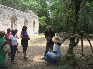 Queen Quet Leading De Gullah Root Experience Tour